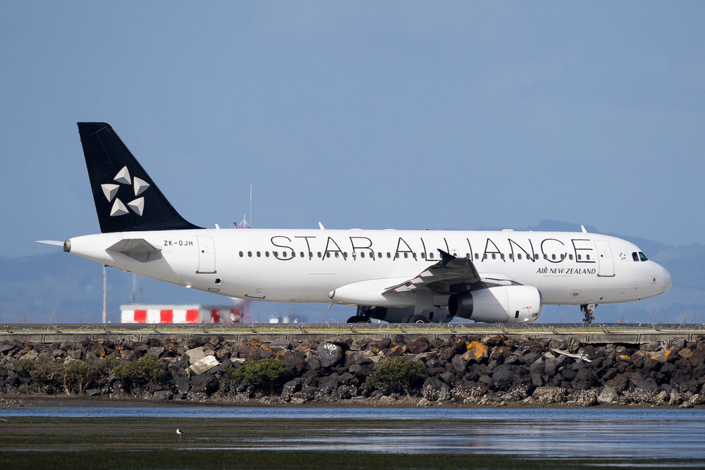 Air New Zealand Airbus A320 ZK-OJH at Auckland. May 2016