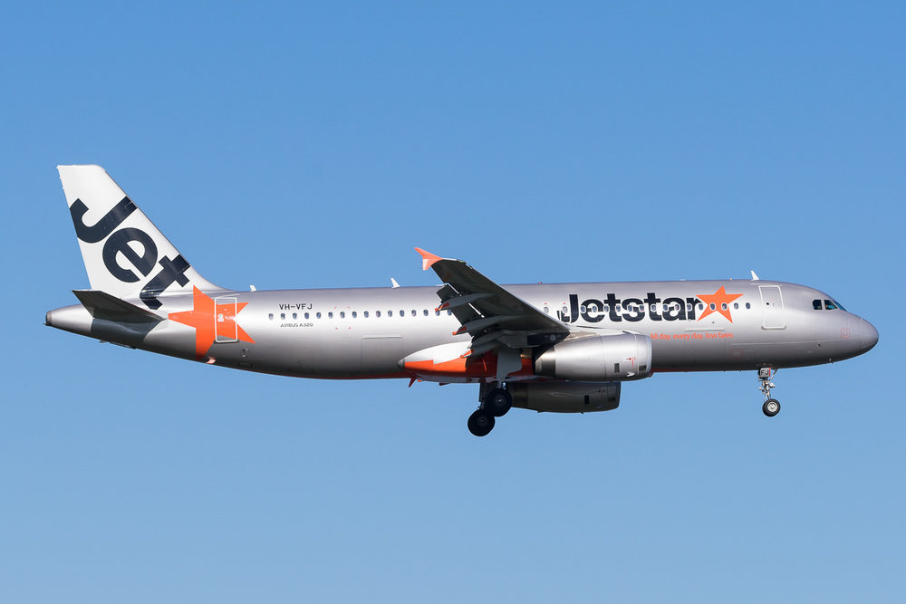 Jetstar Airbus A320 VH-VFJ in Auckland. July 2017
