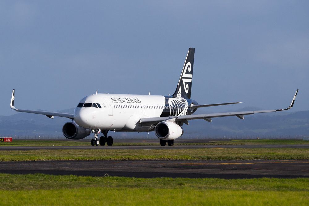 Air New Zealand Airbus A320 ZK-OXL in Auckland. July 2016