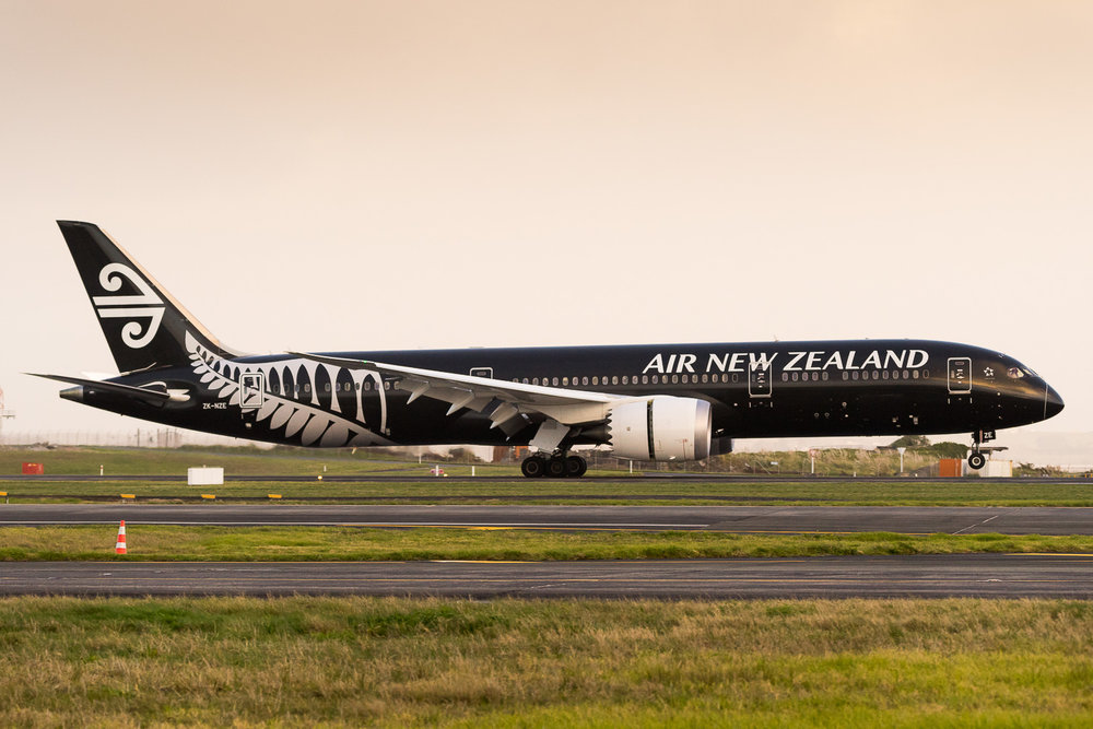 Air New Zealand Boeing 787-9 ZK-NZE arriving as NZ104 from Sydney. July 2016