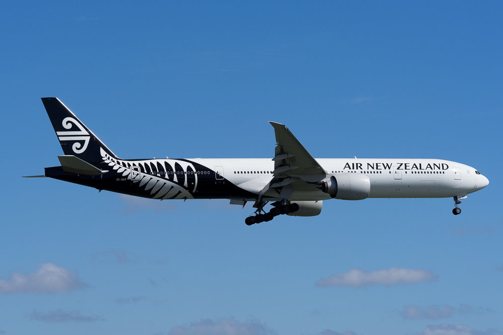 Air New Zealand Boeing 777-300ER ZK-OKP arriving in Auckland. February 2017