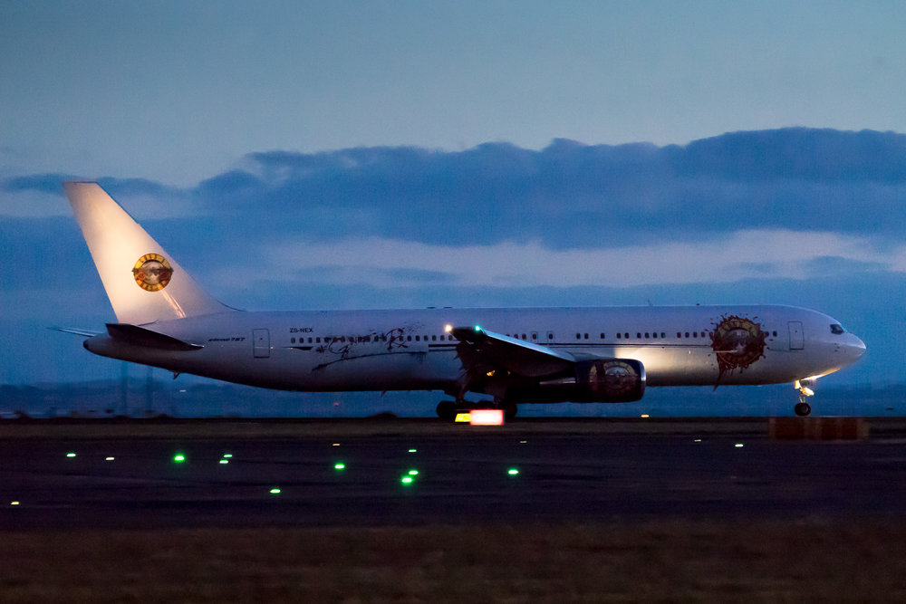 Aeronexus 01A arriving in Auckland well after sunset. Boeing 767-300 ZS-NEX, February 2017.