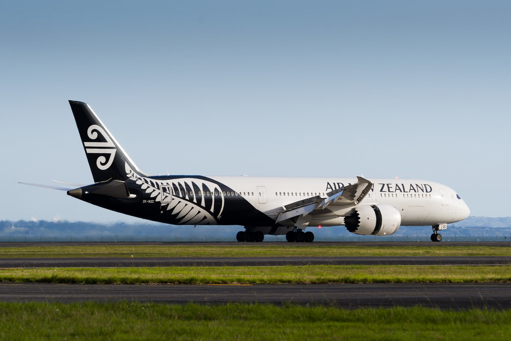 Air New Zealand Boeing 787-9 ZK-NZC arriving in Auckland. March 2017