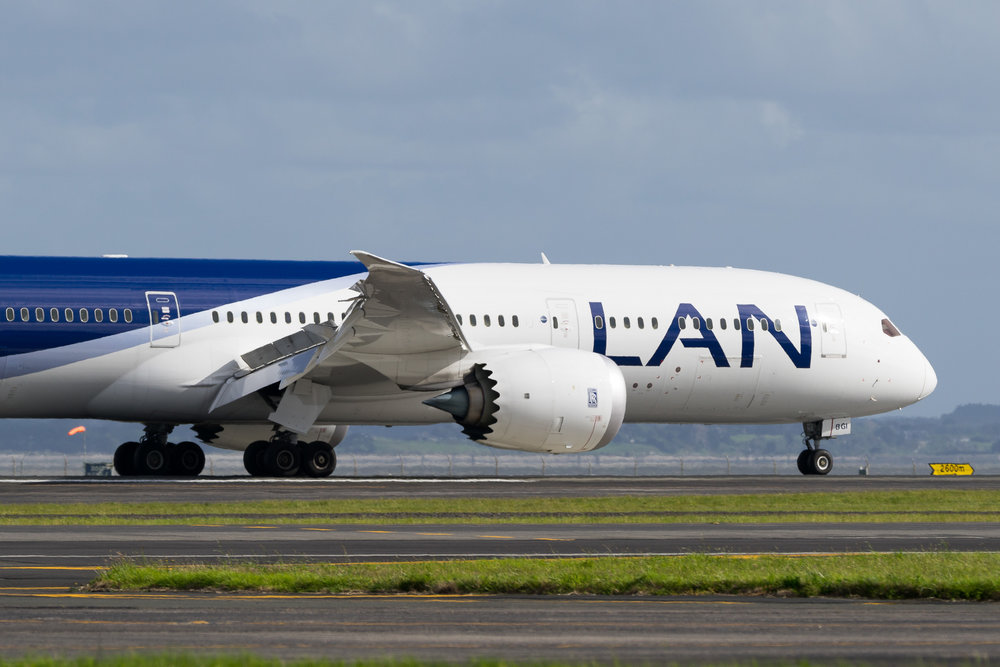 LATAM Chile Boeing 787-9 CC-BGI at Auckland. October 2016
