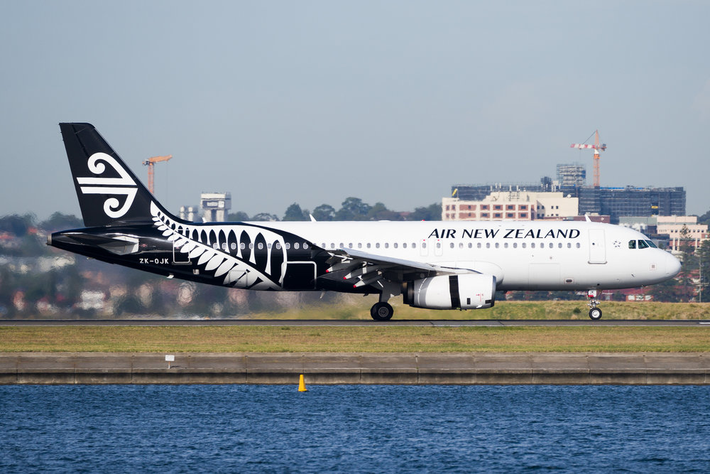 Air New Zealand Airbus A320 ZK-OJK arriving in Sydney. December 2016