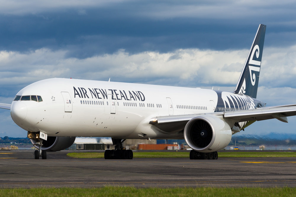 Air New Zealand Boeing 777-300ER ZK-OKN arriving in Auckland. March 2017