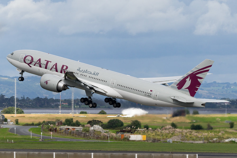 Qatar Airways Boeing 777-200LR A7-BBD departing Auckland. March 2017