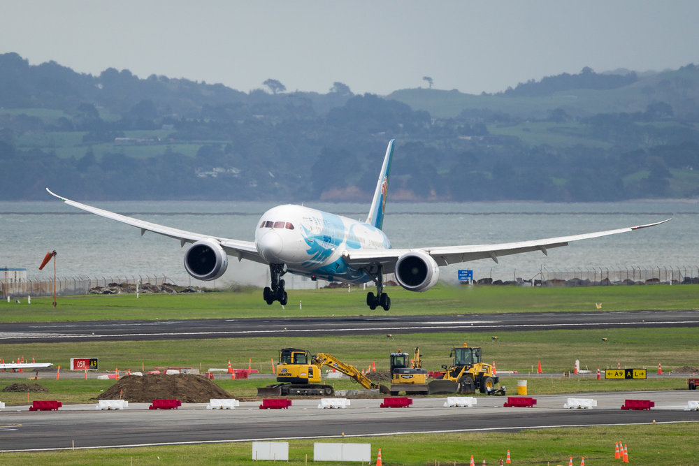 China Southern Boeing 787-8 B-2788 arriving in Auckland. March 2017
