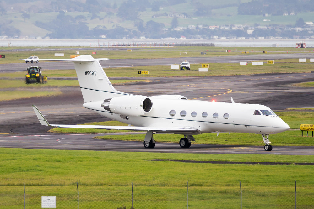 Gulfstream IV N808T taxiing into C1 after arriving on 05R. June 2017