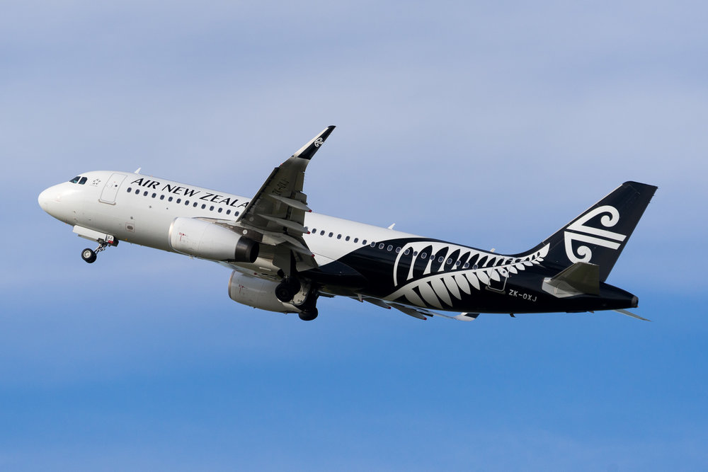 Air New Zealand Airbus A320 ZK-OXJ departing Auckland. August 2017