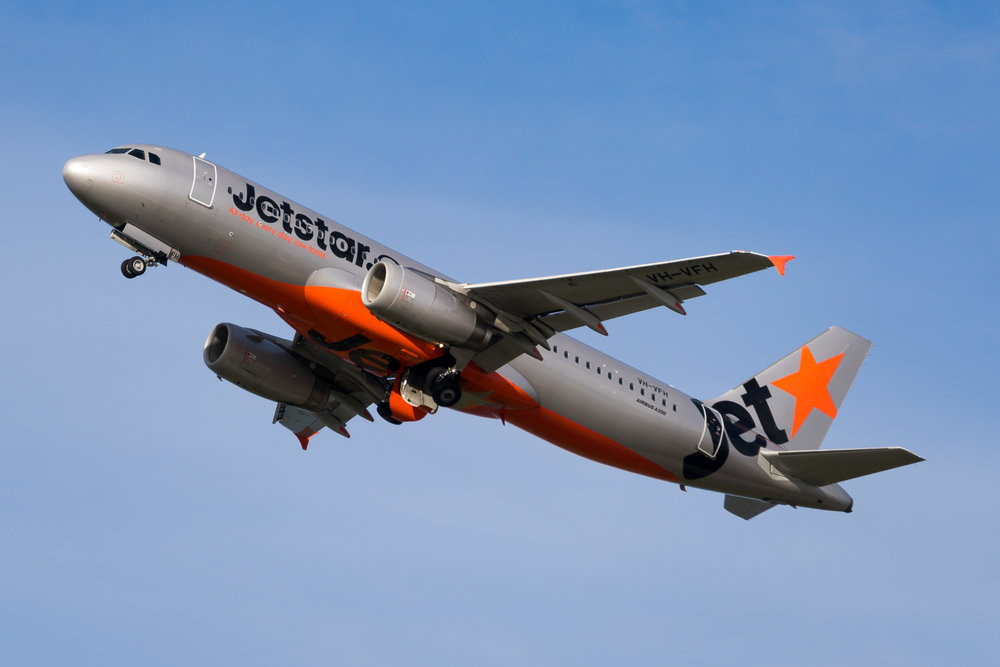 Jetstar Airbus A320 VH-VFH departing Auckland. August 2017