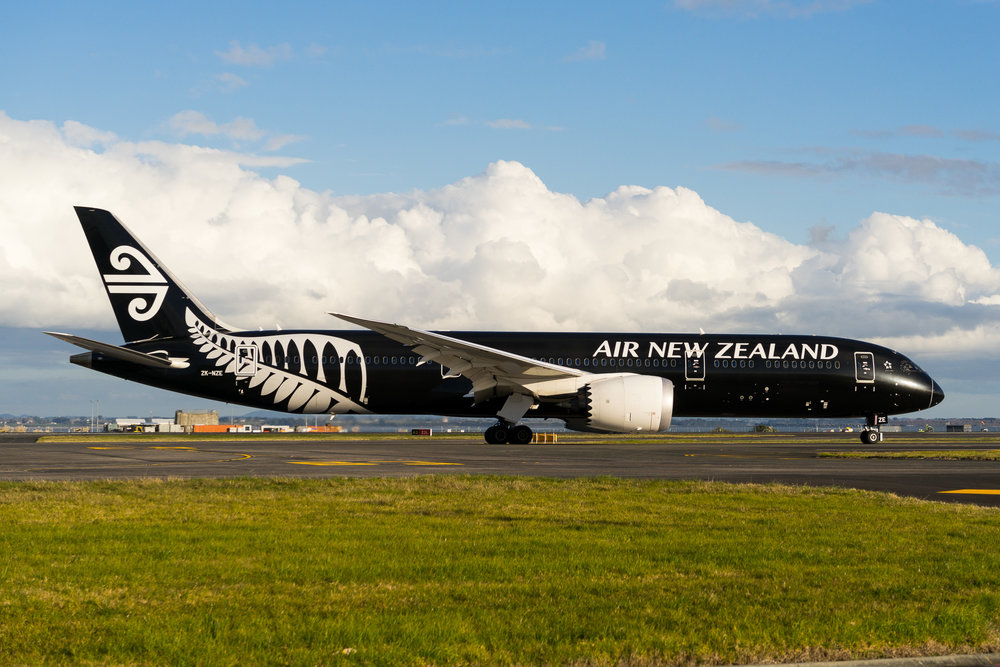 Air New Zealand Boeing 787-9 ZK-NZE arriving in Auckland. August 2017