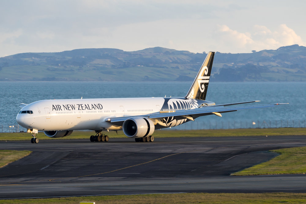 Air New Zealand Boeing 777-300ER ZK-OKO arriving in Auckland. August 2017