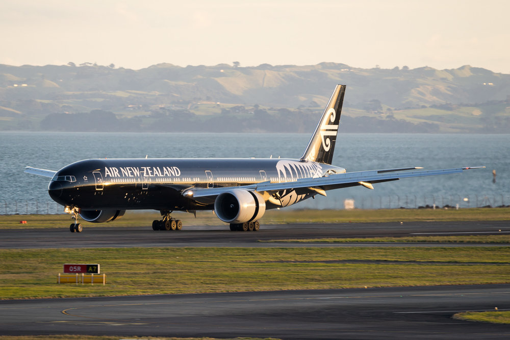 Air New Zealand Boeing 777-300ER ZK-OKQ arriving in Auckland. August 2017