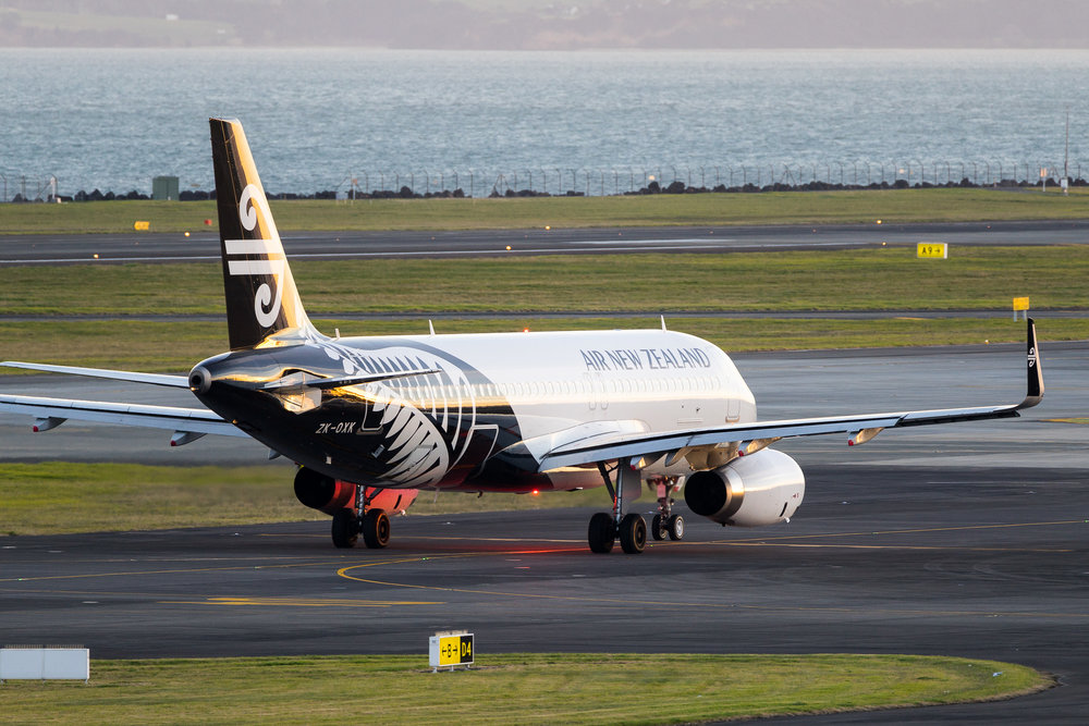 Air New Zealand Airbus A320 ZK-OXK departing Auckland. August 2017