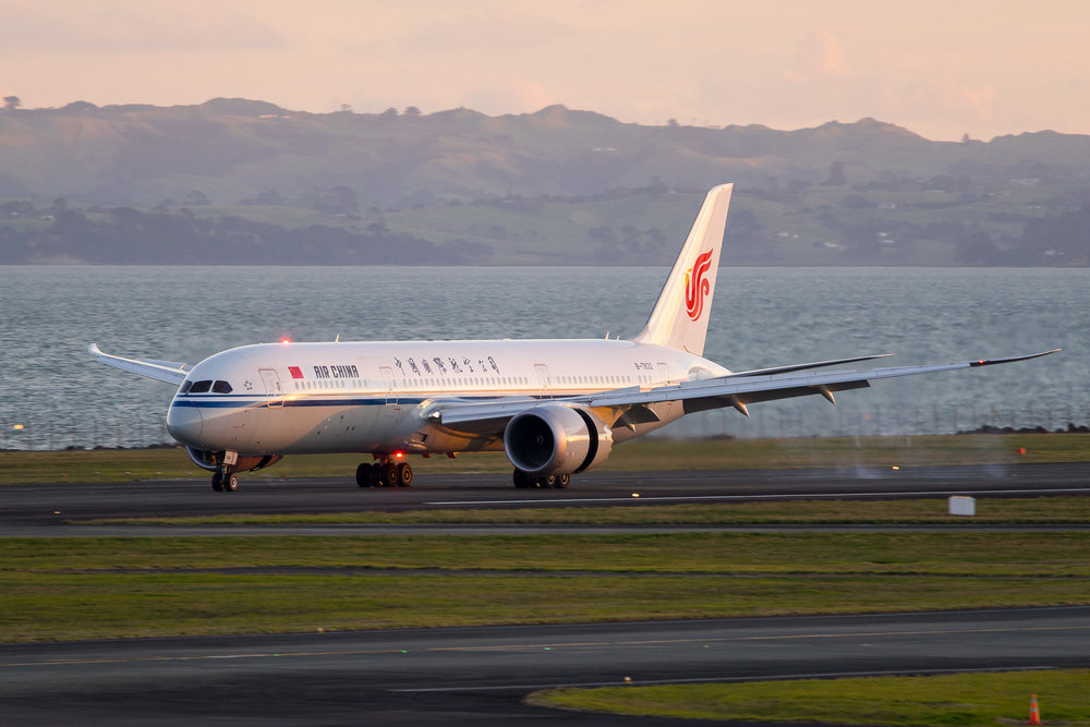 Air China Boeing 787-9 B-7832 arriving in Auckland on 05R. August 2017
