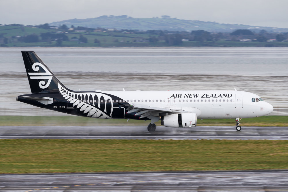 Air New Zealand Airbus A320 ZK-OJR arriving in Auckland. 19 August 2017