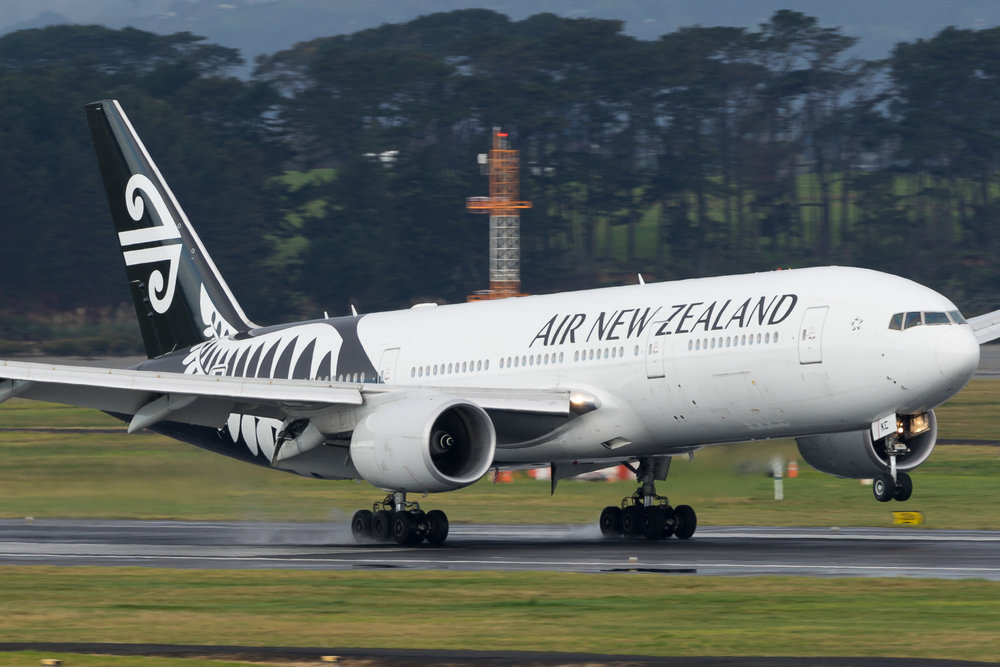 Air New Zealand Boeing 777-200ER ZK-OKC arriving in Auckland. 19 August 2017
