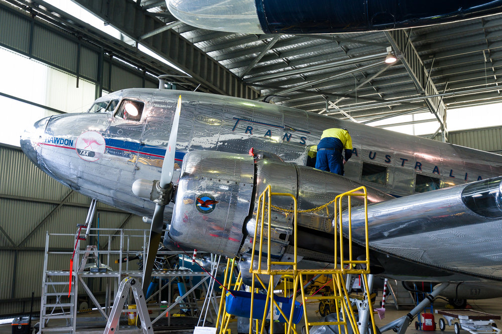 Douglas DC3 (aka C-47, Dakota, Skytrain, Gooney Bird