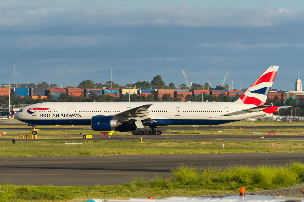 British Airways Boeing 777-300ER G-STBD taxiing to the terminal after arriving in Sydney. 12/11/2017