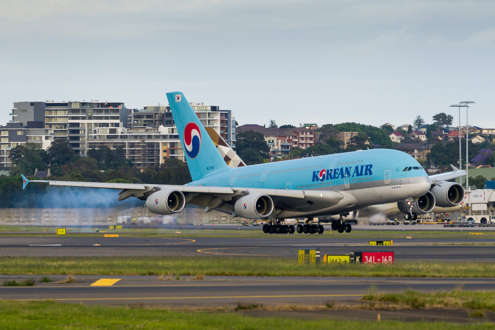 Korean Air Airbus A380 HL7612 arriving in Sydney. 12/11/2017