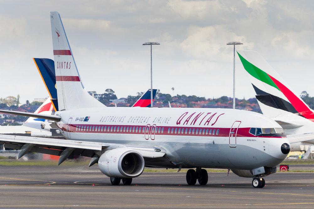 "Qantas Boeing 737-800 VH-VXQ ""Retro Roo II"" arriving in Sydney. 12/11/2017"