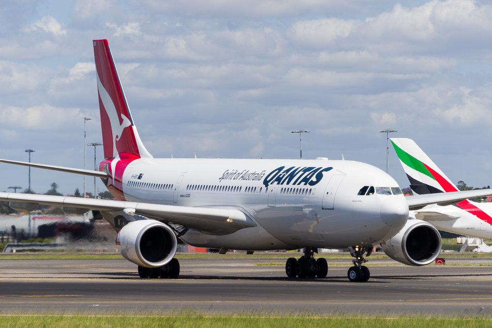 Qantas Airbus A330-200 VH-EBR arriving in Sydney. 12/11/2017