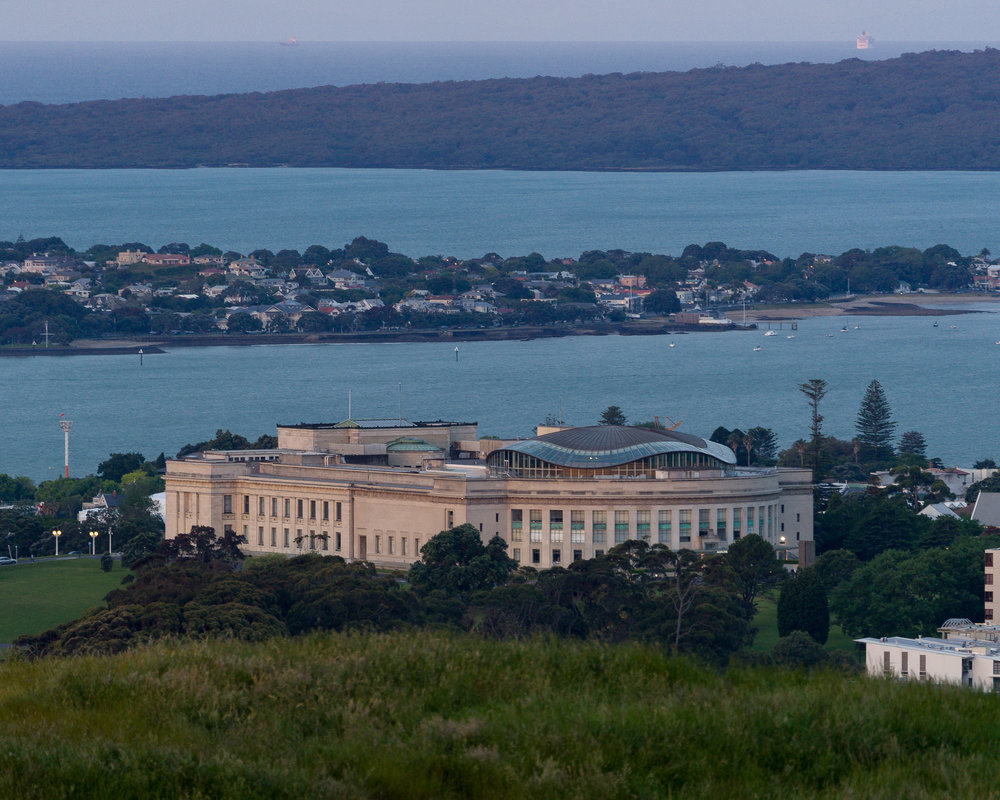 Auckland War Memorial Museum from Mount Eden.