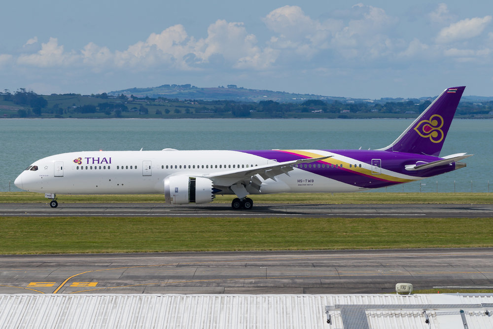 Thai Airways Boeing 787-9 HS-TWB arriving in Auckland. 17/11/2017
