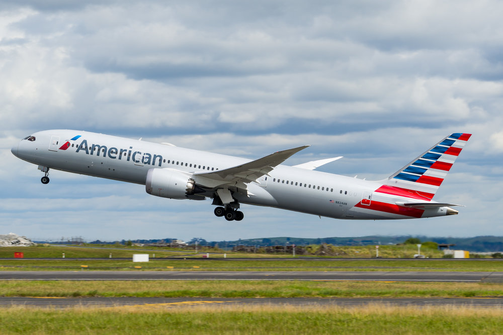 American Airlines Boeing 787-9 N824AN departing Auckland. 26/11/2017