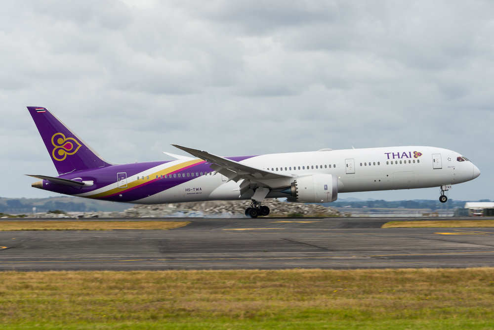 Thai Boeing 787-9 HS-TWA arriving in Auckland. 26/12/2017