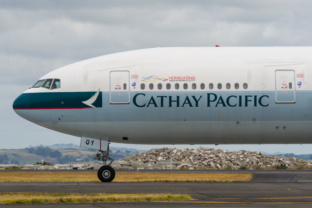 Cathay Pacific Boeing 777-300ER B-KQY departing Auckland. 26/12/2017