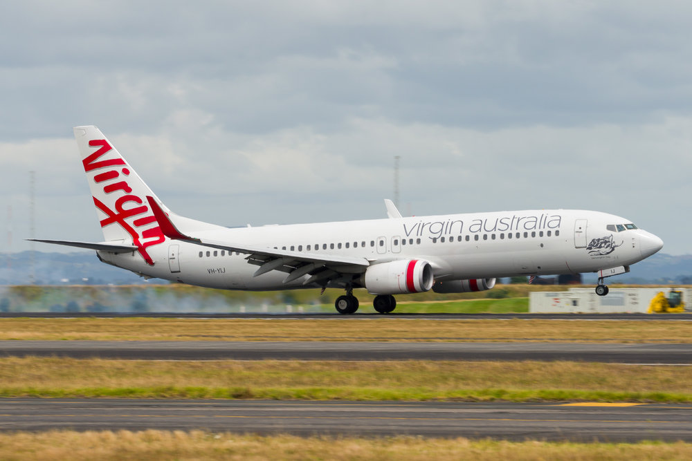 Virgin Australia Boeing 737-800 VH-YIJ arriving in Auckland. 26/12/2017