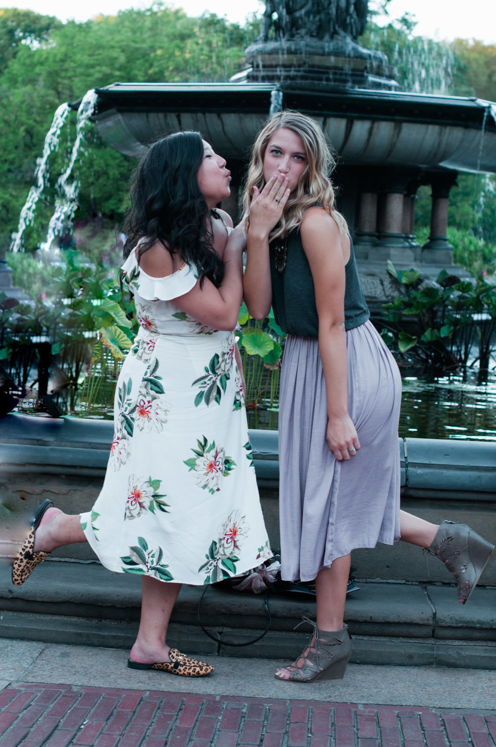 best friends.nyc.lifestyle.gossipgirl.nycphotographer