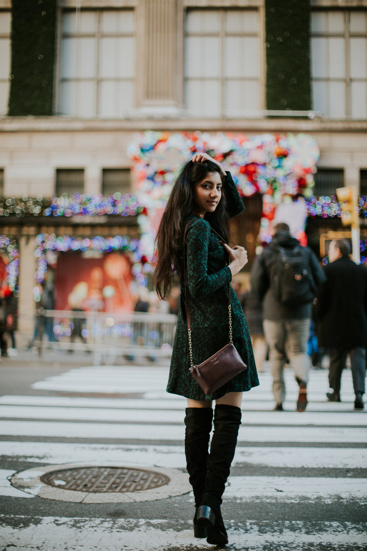 zafi.fashionblogger.nyc.christmas.rockefeller.tee.lights.dance.streetstyle