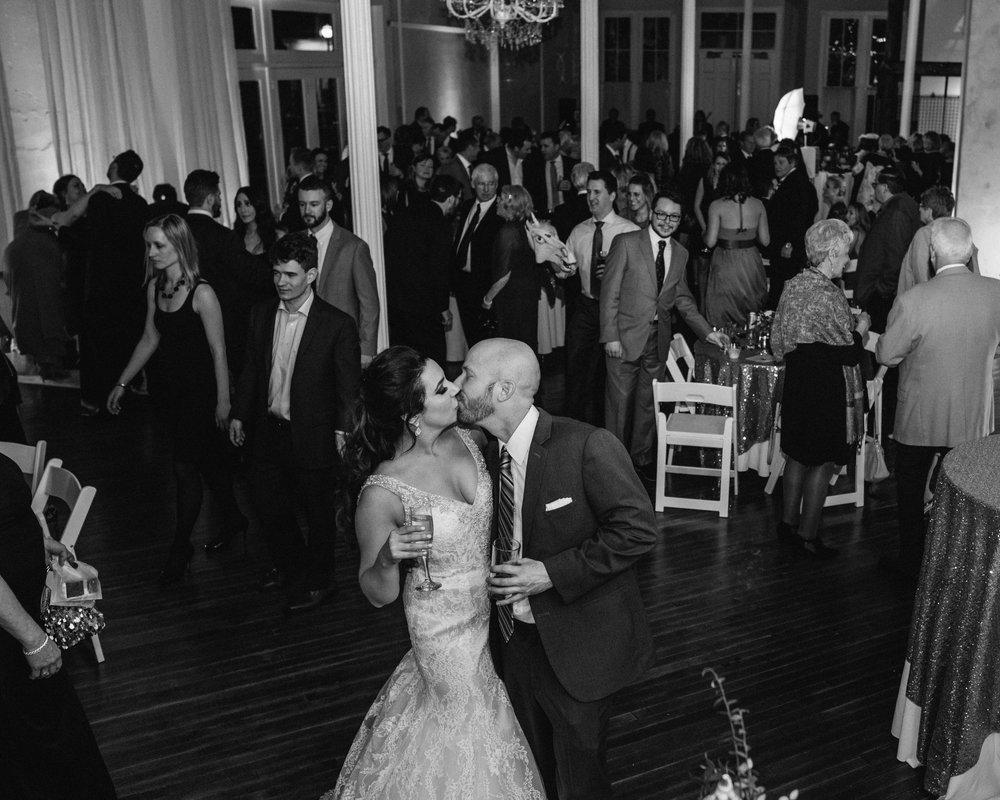 agpcollective_barlettowedding_excelsiorlancaster_dancing-0184.jpg