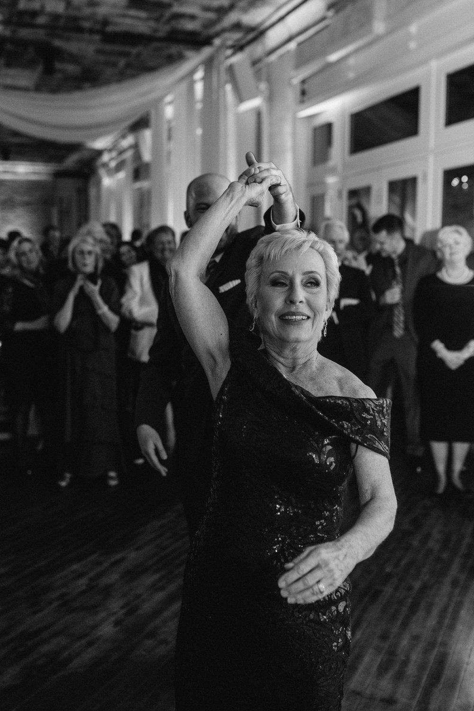 agpcollective_barlettowedding_excelsiorlancaster_dancing-9719.jpg