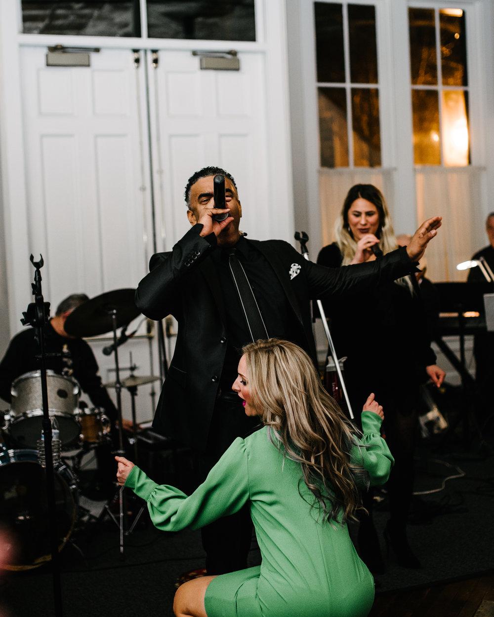 agpcollective_barlettowedding_excelsiorlancaster_dancing-9881.jpg