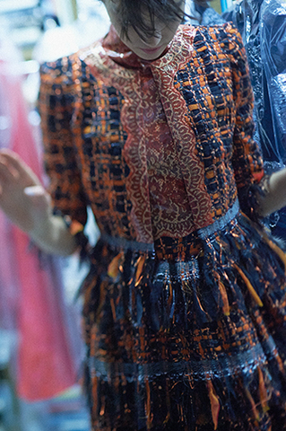chanel-haute-couture-fall-winter-making-of-01.jpg