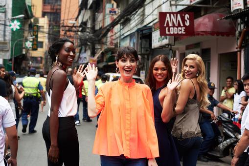 Miss Universe 2016 candidates in Chinatown Manila