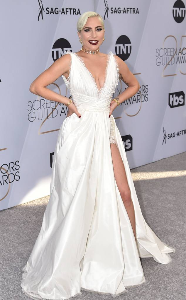 rs_634x1024-190127162208-634-2019-sag-awards-red-carpet-fashions-lady-gaga.jpg