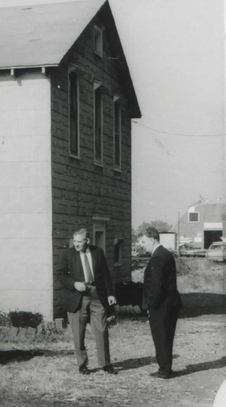 Tom Trank in front of ICC Clubhouse - 1969.jpg