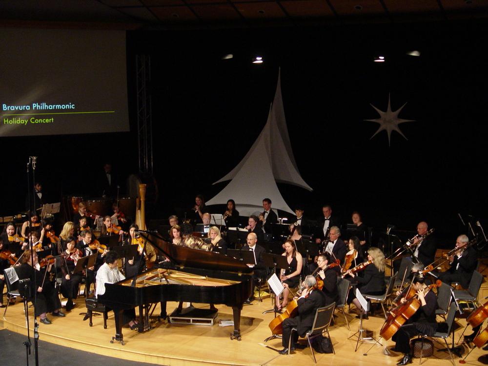 Chiu-Ling Lin performsGershwin Concerto in F