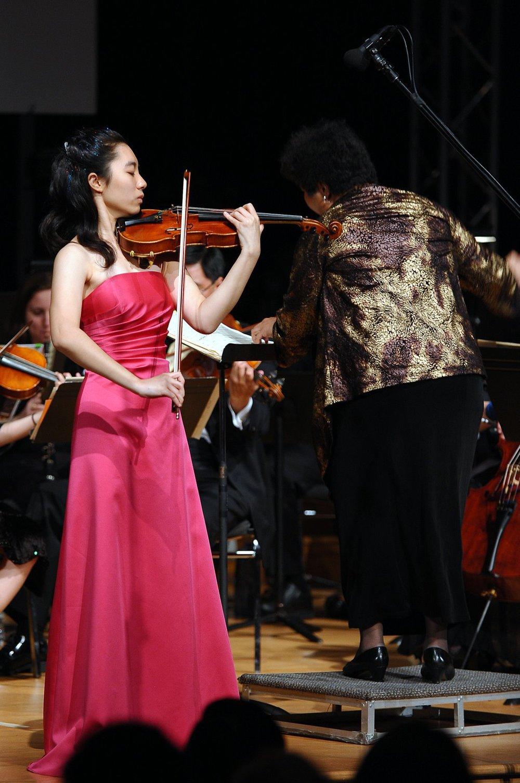 Cheryl Peng performing Saint-Saens Violin Concerto