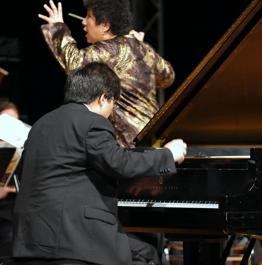 Andrew Sun performing Beethoven Emperor Piano Concerto