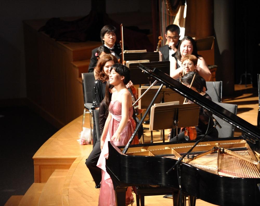 A joyful pianist
