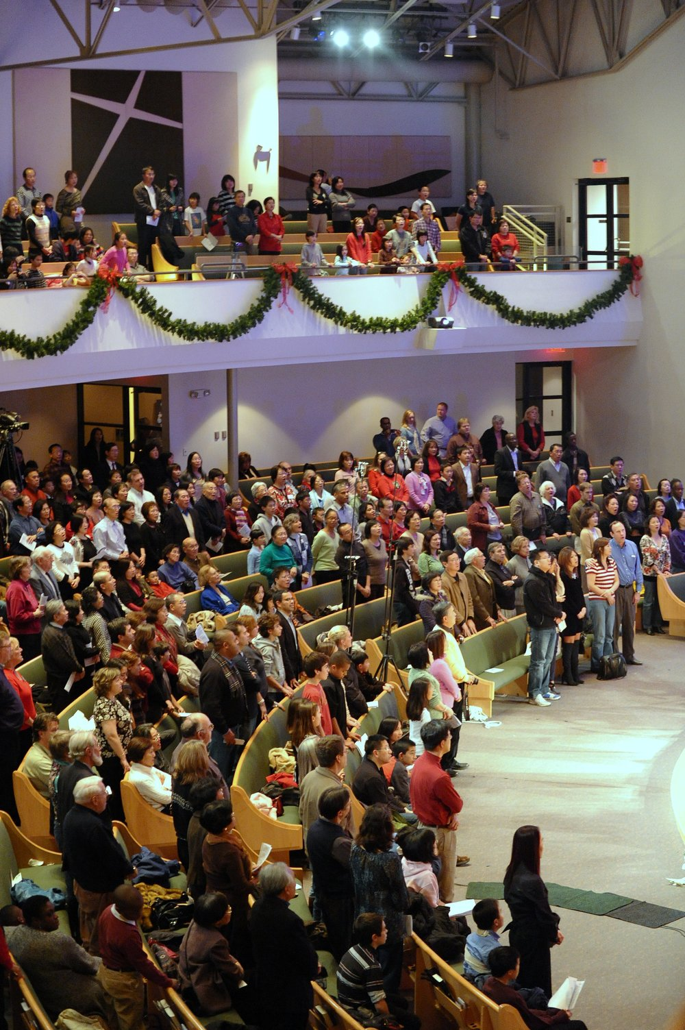 A full house audience enjoying the holiday sing-along