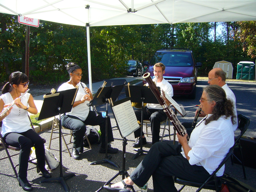 Bravura Winds Ensemble performing