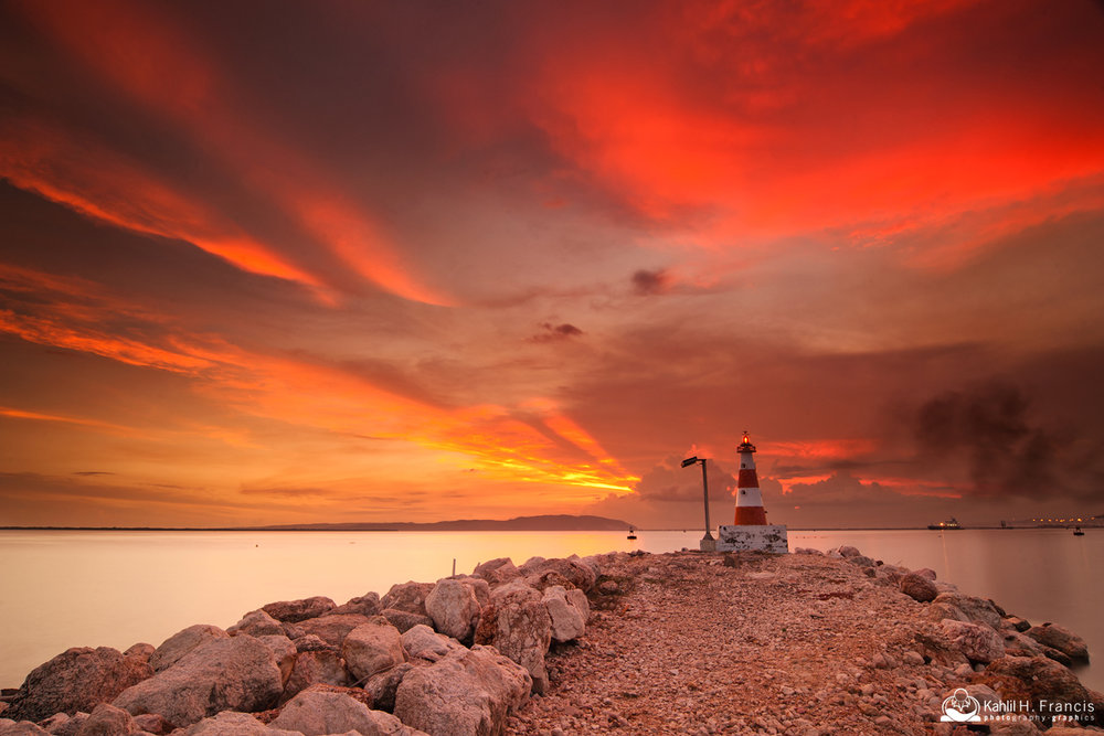 Rays of light - Lighthouse - Kingston Harbour Marina