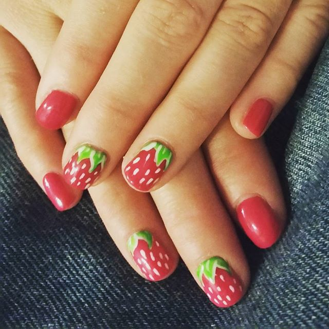 Who doesn't love themed nails?! Want to receive VIP discounts and specials for hair, nails, and makeup?  Text SUBSCRIBE to 480-418-4391 to opt-in to receive text messages!  #phoenixsalon #phoenix #biltmore #arcadia #camelback #nails #phoenixnails #instanails #strawberry #summernails